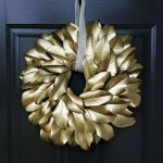 gold-magnolia-wreath