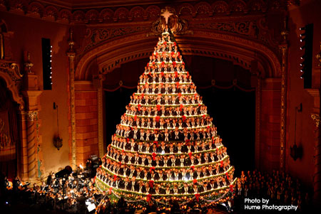 Singing Christmas Tree - Muskegon, MI - Ring In The Holidays With The Singing Christmas Tree €� Elf Blog