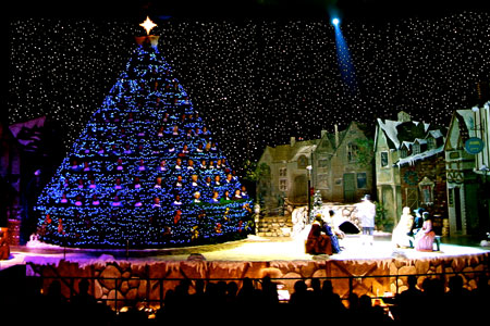 Singing Christmas Tree - Sacramento, CA