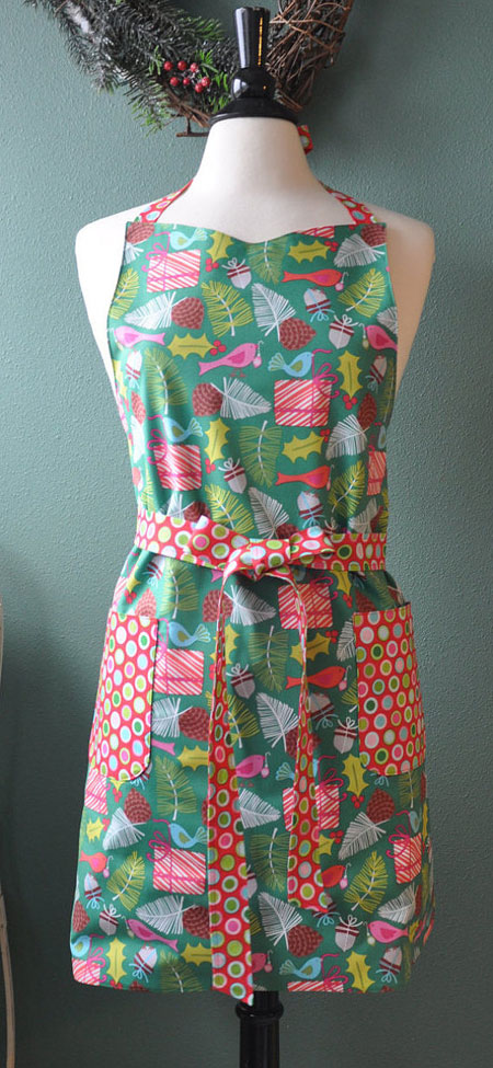 Etsy Item of the Day: Whimsical Christmas Apron • MooKieBmakes
