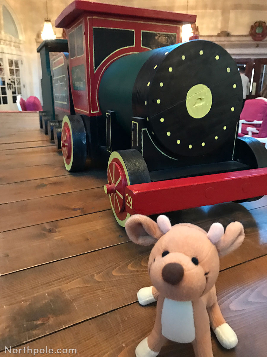 Raymond Around the World: Chattanooga Choo Choo