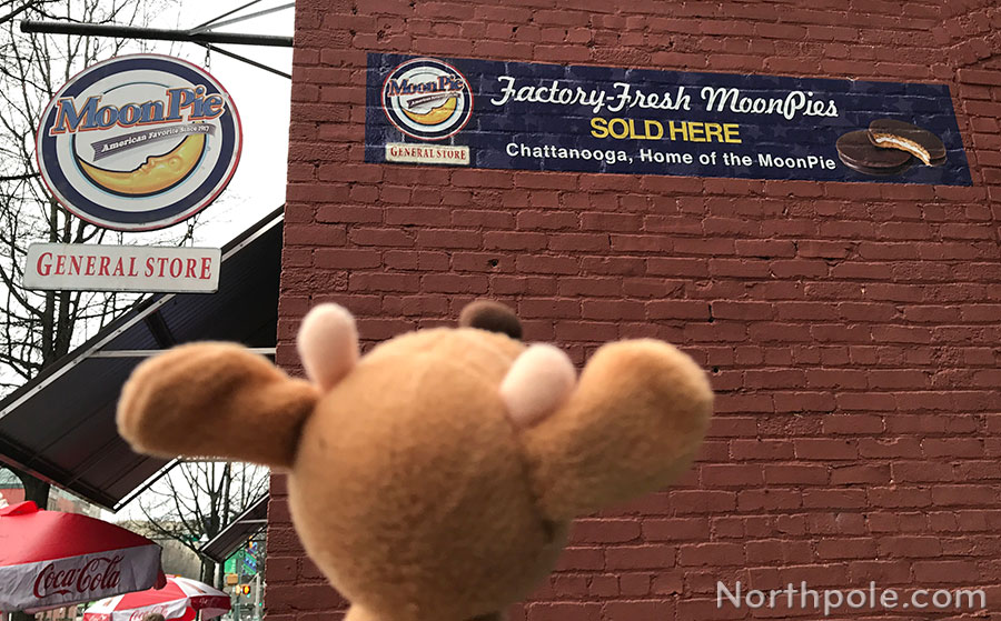 Raymond Around the World: Chattanooga • Moon Pie General Store