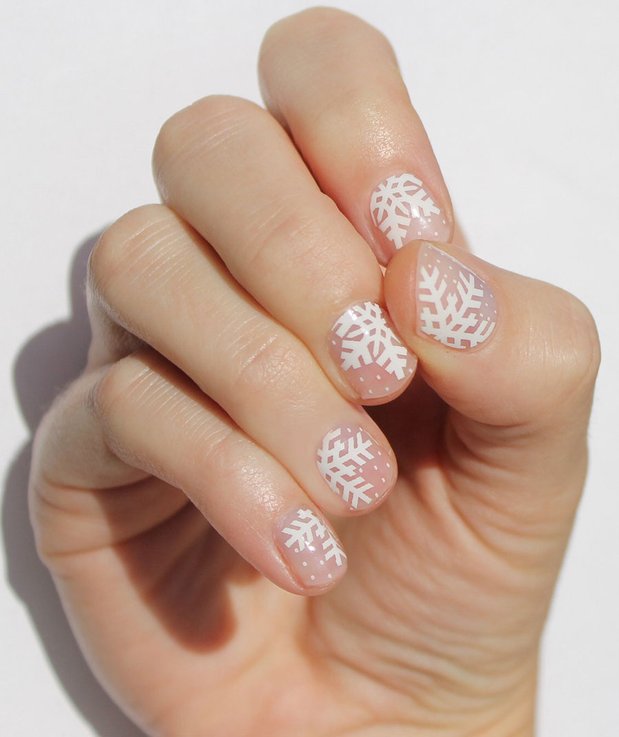 Etsy Item of the Day: Snowflake Nail Wraps – Elf Blog